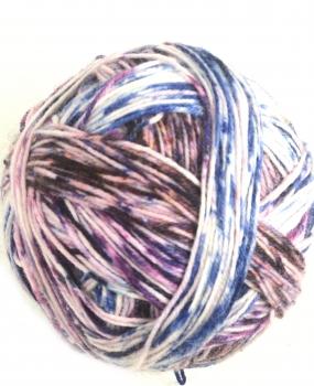 Streifenbildend selfstriping  Sockenwolle